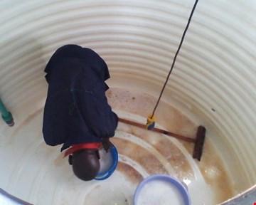 Underground water tank cleaning